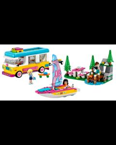 41681 Boscamper en zeilboot